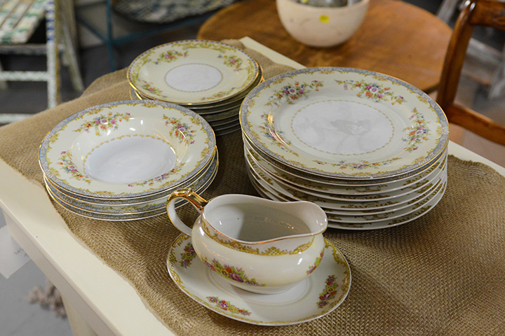 Southern Antiques And Accents Glassware China