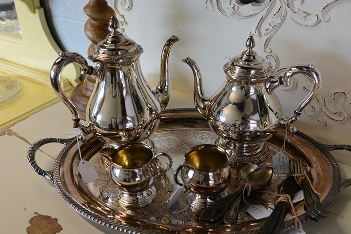 Southern Antiques and Accents | Glassware | China | Dinnerware | Silverware | Sterling | Dishes | Flatware | Fairhope Alabama 36532 & Southern Antiques and Accents | Glassware | China | Dinnerware ...