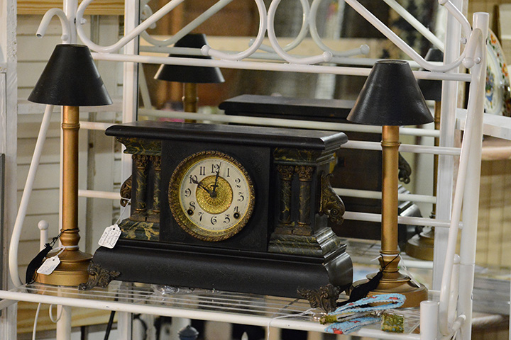 Southern Antiques And Accents